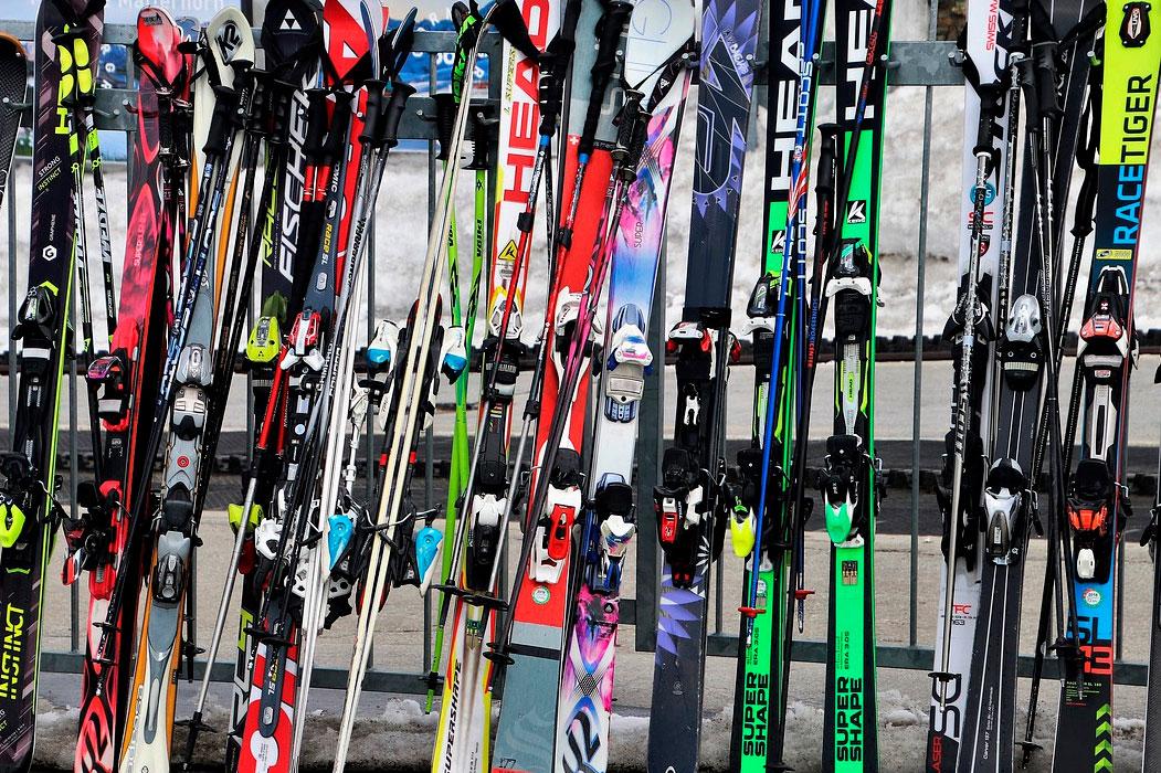 Aluguel de equipamentos de esqui e snowboard em Sierra Nevada